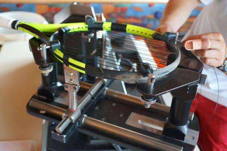 Tennis-Racket-Stringing-Machine-768x512 (1)